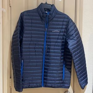 Eddie Bauer  mens puffer jacket size M